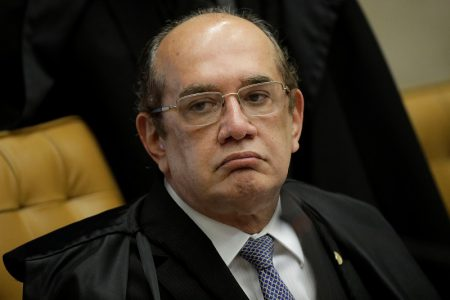 Judge Gilmar Mendes looks on during a session of the Supreme Court to examine appeal seeking to prevent arrest of former president Lula, in Brasilia, Brazil March 22, 2018. REUTERS/Ueslei Marcelino