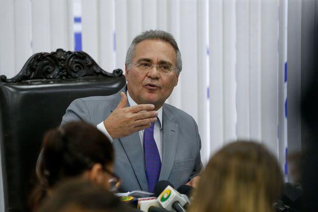 O presidente do Senado, Renan Calheiros (PMDB-AL), em coletiva para falar sobre a Operação Métis